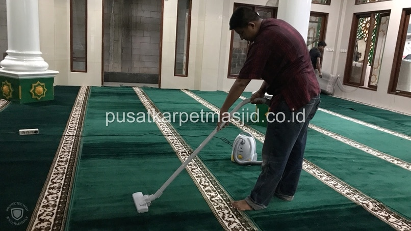 vakum karpet masjid