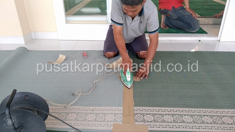 tempel karpet masjid